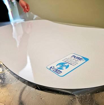 Instalación lamina Pure Zone en mesa